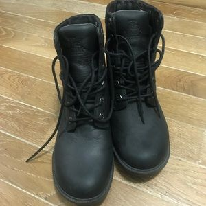 Kodiak Black winter boots, NWOT
